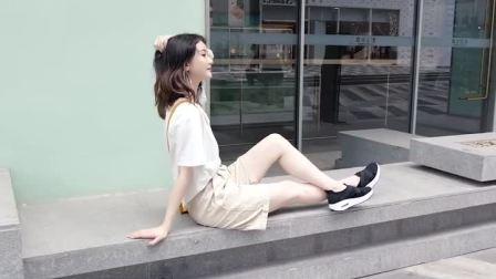 摇摇鞋女秋季新款厚底坡跟一脚蹬懒人鞋百搭气垫休闲运动旅游鞋女