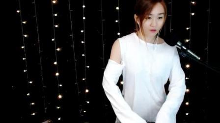 靓妹全新热爱音乐DJ2019现场美女打碟串烧Dj-喵喵(65)