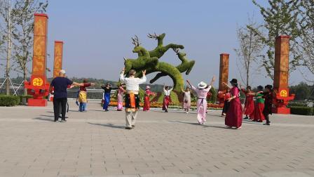 北京锅庄_20191003_南海子公园跳锅庄2贵南锅庄《故乡过马营》