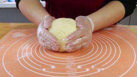 【番小茄Life|一分钟学烘焙】松软牛奶红豆饼