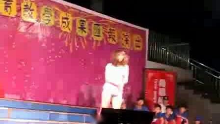 嘉玛学校街舞表演