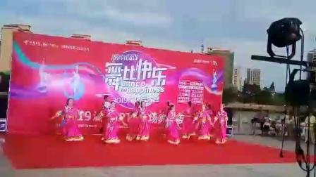 人和舞蹈队《康巴情》参加:佳兰、雪花、春莲、双玉、炳娇、新娥、小华、小静、善娇、兴菊、李俐!🌹🌹🌹