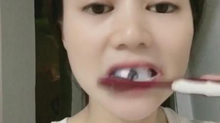不用牙膏刷牙,牙齿反而越来越白了,感谢牙医哥哥推荐的好物!