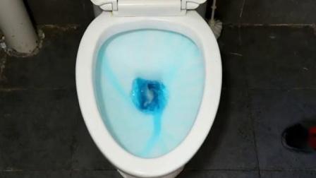 小熊洁厕灵蓝泡泡洁厕宝超级好用一个用三个月不烦恼