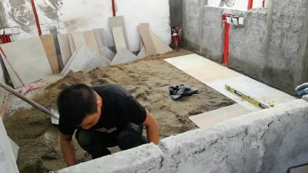 广西南宁黎师傅在百度上找了十五家学贴地板砖培训学校,今天决定在广州瓷砖电水教育学