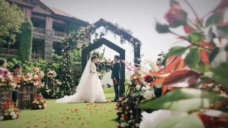 连续两天拍摄结束,每当婚礼落幕都会看到这样的场景!婚礼落幕,鲜花凋零,蛋糕吃尽,唯有影像长存!小夜摄影.