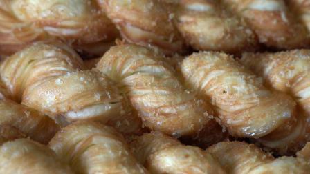 小鸡糕点(扭曲面包棒)(韩国全州河内村韩国街头食品)