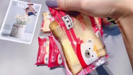 理想生活有一手 懒人必备 面包 网红吐司夹心面包有没有小仙女吃过同款的?真的炒鸡好吃呀!