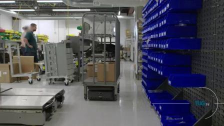 Rotacaster全向轮在AGV产品上的应用 (Aethon TuG T4)