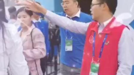 第21届中国国际高新技术成果交易会 深圳义工联合会义工们活动1