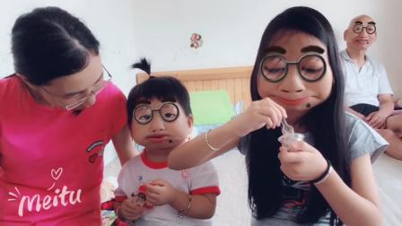 20190815姐姐妹妹一起吃零食