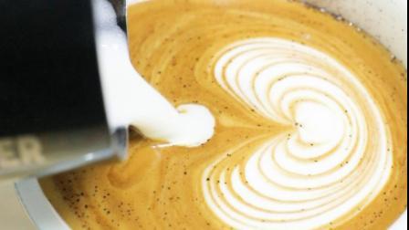 咖啡拉花_心形拉花咖啡制作