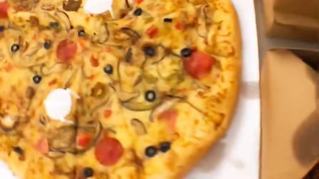 视知福利!每月吃鸡!今天除了🐔还有辣辣辣辣么大的披萨~~~~