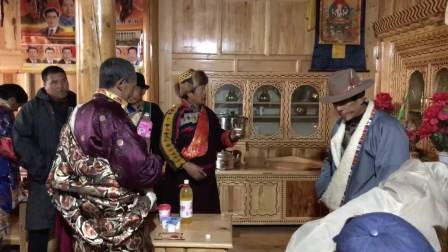 甘肃省甘南藏族自治州迭部县非物质文化遗产。【官兵出征】是尕巴舞的一种。