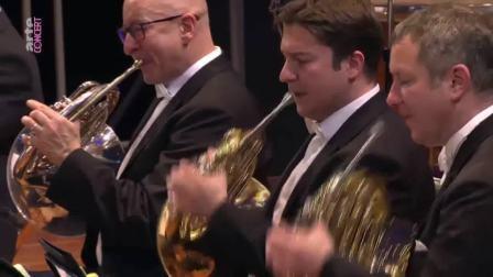 2020年柏林爱乐的新年音乐会(2019年12月31日)柏林爱乐大厅 女高音:迪安娜.达姆娆 指挥:基里尔.佩特连科