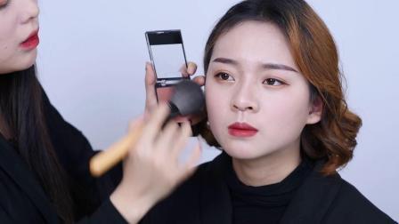 1三分钟学会日常妆腮红怎么化,济南化妆培训学校夏夏老师