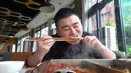 超小厨吃42元自助火锅,10盘毛肚2盘鸭肠,吃到老板怀疑人生
