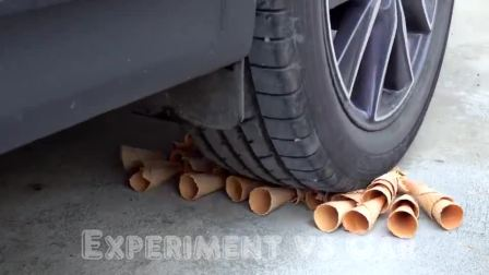 牛人使用小汽车碾压奥利奥饼干,真是太减压了,好过瘾!