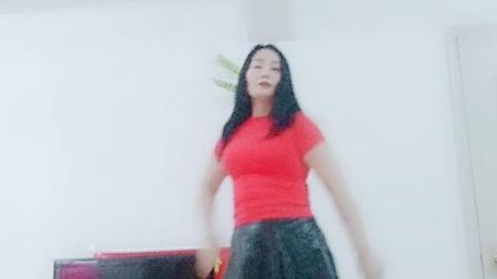 32步广场舞《女人就要惯》