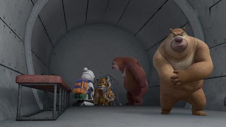 熊出没大马猴心狠手辣,小虎崽这么可爱,他直接用炮弹攻击