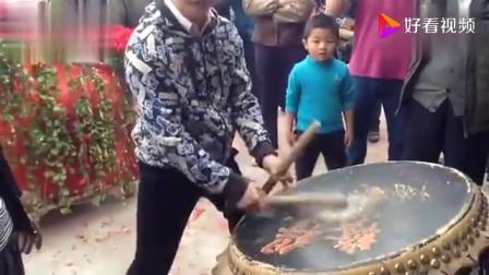 广东舞狮人教你打正宗的醒狮鼓。