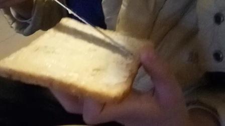 于霏特早餐:面包抹沙拉酱