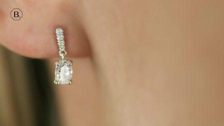 0.94克拉白金椭圆形钻石耳环