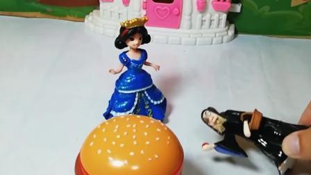 小雪儿给妈妈买了蛋糕,小雪儿把蛋糕给老奶奶了,你能送给小雪儿一个蛋糕吗?