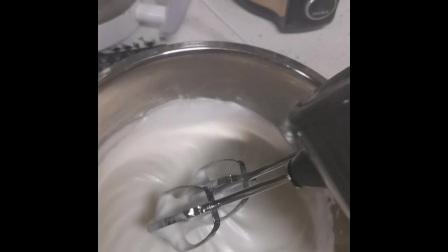 戚风蛋糕•详细制作过程