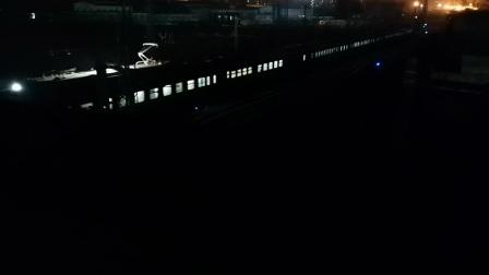 Z184次进大同站