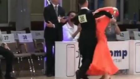 交谊舞精彩段二