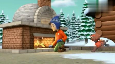 汪汪队:莱德在披萨上面放腊肠,雅丽做了个爷爷脸的披萨!
