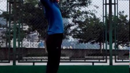 原地推铅球辅助训练,乐动体育大讲堂