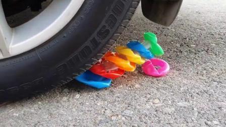 牛人把橙子放在车轮下面,请勿轻易模仿,实在是太减压了