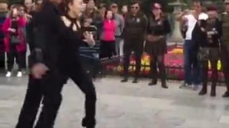 别人跳的牛仔舞