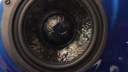 奥迪Q7汽车音响改装升级史泰格专车专用喇叭,重庆渝大昌汽车音响改装升级、汽车隔音降噪改装、防火墙全车隔音改装解决车内异味根源、房车内饰定制改装升级、汽车木地板
