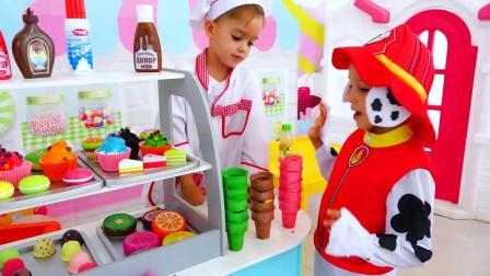 萌娃小可爱化身为甜点师,制作美味的冰淇淋,萌娃:欢迎光临