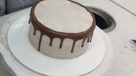 咸奶油蛋糕巧克力淋面