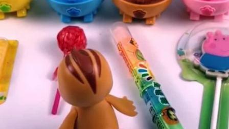 鸡妈妈要出去,给小鸡宝宝留了糖果,朵朵却把糖果都给拿走了!