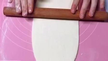 【葱香花卷做法】爱吃面食的同学了解一下,画卷喷香松软,一次能吃好几个![可爱]