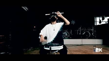 《Acrobat》杂技演员 by 老K