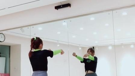 青岛Spink舞蹈室·《咚巴拉》副歌教学