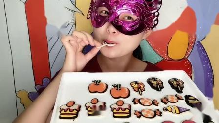 妹妹吃创意巧克力,樱桃、糖果与冰淇淋造型,薄脆香甜好美味