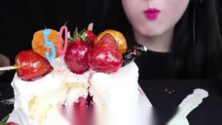 小可爱直播吃果冻、水果奶油蛋糕,造型太漂亮了