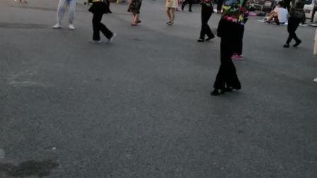 意大利风情小镇广场舞