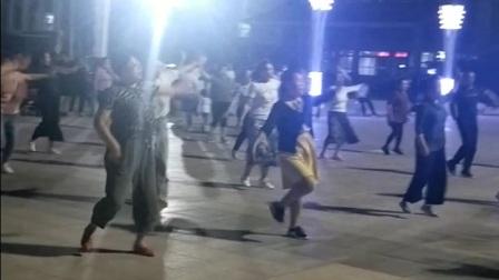荣蓉广场舞《中国好姑娘》