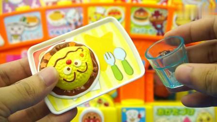 《玩乐三分钟》一起来玩面包超人的小吃店过家家玩具游戏哦
