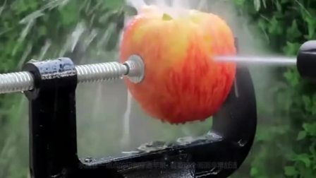 高压水枪切割苹果与西瓜,画面看着不要太解压