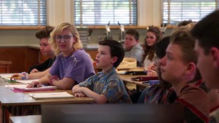 《少年谢尔顿》第1季第1集天才少年跳级高中,老师们却集体