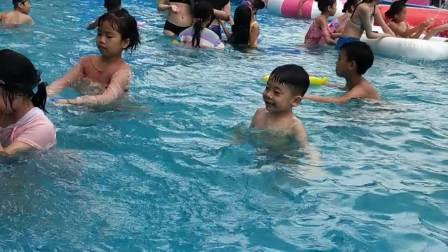 李汶骏(2020.6.14)马鞍奥特斯广场游泳